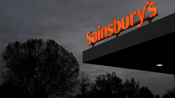 Sainsbury's lags rivals as Christmas sales dip