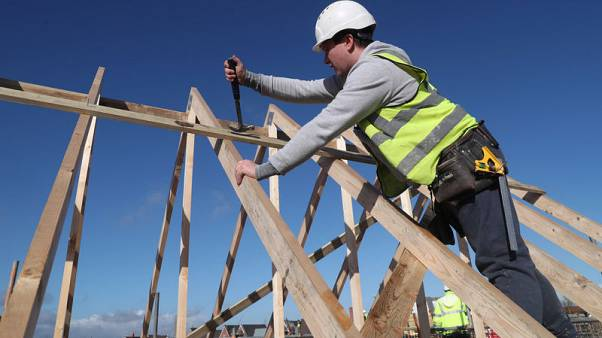 Taylor Wimpey sees solid sales in 2019, eye on political uncertainty