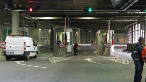 Traforo Gran San Bernardo chiuso ai Tir