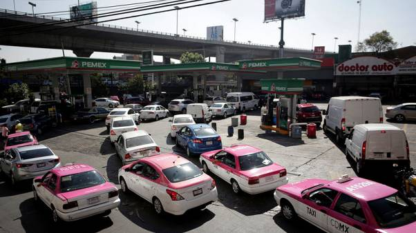 Mexican fuel shortage worries industry as lines grow in capital