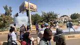 القوات السودانية تطلق الغاز المسيل للدموع لتفريق محتجين في أم درمان