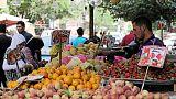 تراجع التضخم بمدن مصر إلى 12% في ديسمبر مع انخفاض أسعار الغذاء