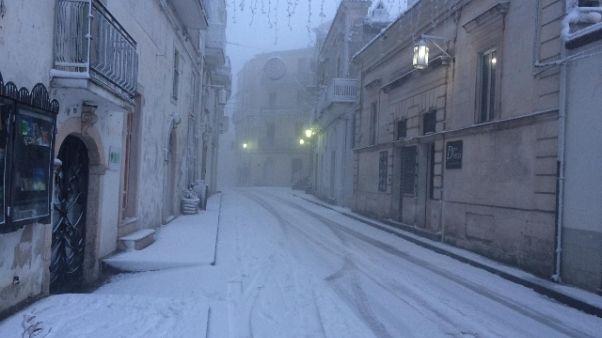 Neve a quota 700 metri nel Foggiano