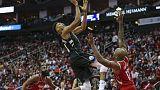 باكس ينهي سلسلة انتصارات روكتس على أرضه في دوري السلة الأمريكي