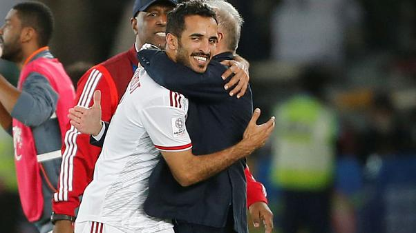 هدفان من مبارك ومبخوت يمنحان الإمارات فوزها الأول في كأس آسيا