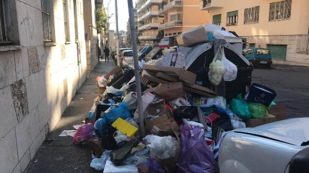 Rifiuti Roma: vescovo, stallo avvilisce