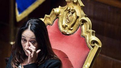 Renzi, Raggi sfratti la madre di Taverna