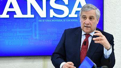 Tajani, Di Maio con chi devasta città