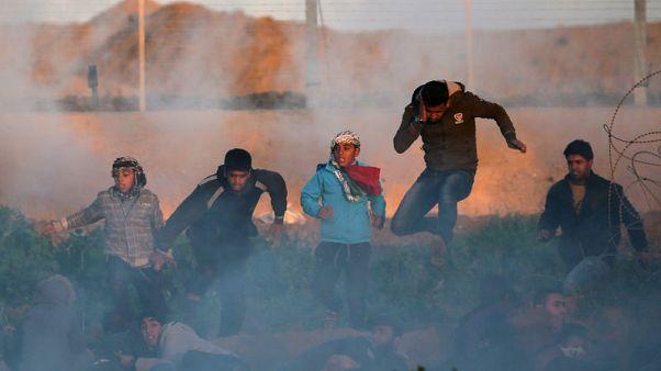 القوات الإسرائيلية تقتل فلسطينية في غزة أثناء احتجاج على الحدود
