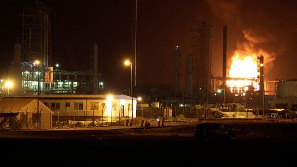 انفجار يسفر عن حريق بمصفاة نفط في عدن والسبب مجهول