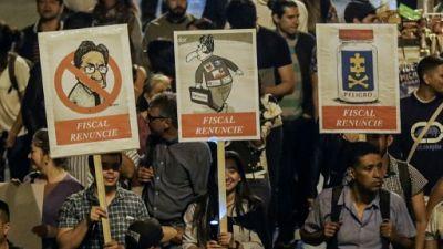 Colombie: des milliers de manifestants pour la démission du procureur général