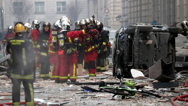 مقتل 3 وإصابة 50 في انفجار ناجم عن تسرب غاز في باريس
