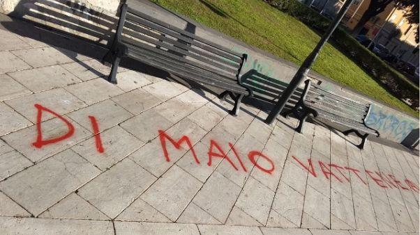 Scritte contro Di Maio a Cagliari