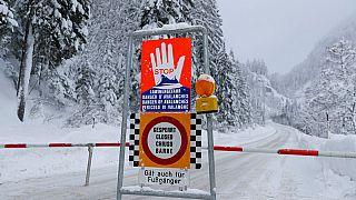 مقتل ثلاثة متزلجين ألمان وفقدان رابع في انهيار جليدي بالنمسا