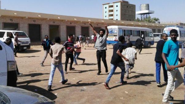 Soudan: tirs de gaz lacrymogène sur les manifestants à Khartoum et au Darfour