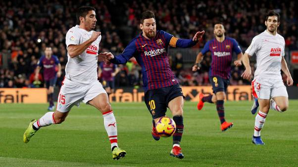 Messi scores 400th La Liga goal for Barca