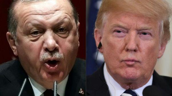 """Syrie: Trump menace de """"dévaster"""" l'économie de la Turquie si elle s'en prend aux Kurdes"""