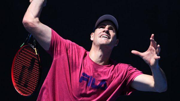 إيسنر لاعب التنس الأول في الولايات المتحدة يودع استراليا المفتوحة