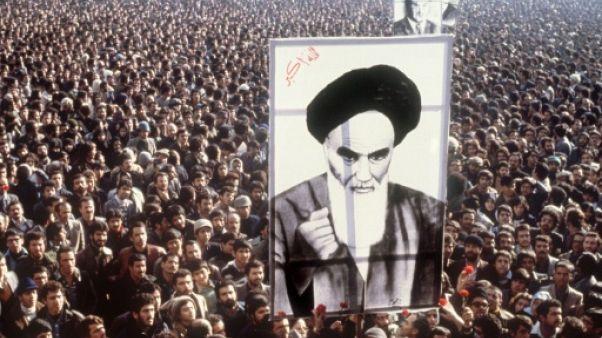Il y a 40 ans, le chah fuyait un Iran épris de révolution