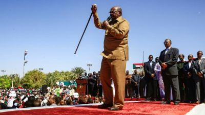 """Soudan: la contestation ne """"conduira pas à un changement"""" de pouvoir, selon Béchir"""