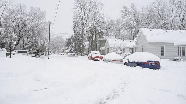 الأسوأ انتهى في عاصفة ثلجية اجتاحت مناطق واسعة بالولايات المتحدة