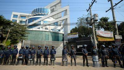 Bangladesh: les ouvriers du textile poursuivent leur grève