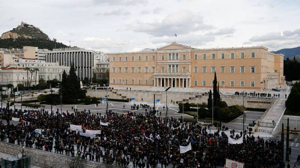 Greek teachers clash with police for second time in a week