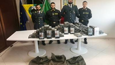 Porto Gioia T., sequestro 115 kg cocaina
