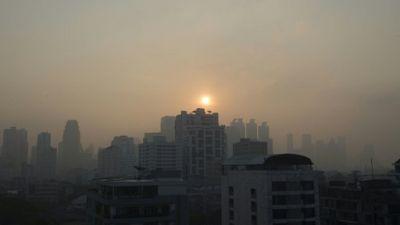 Un nuage de pollution recouvre Bangkok le 14 janvier 2019