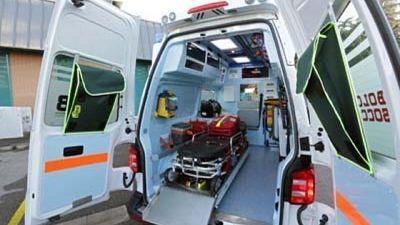 Auto contro camion, muore coppia anziani