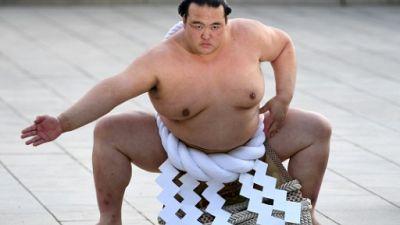 """Sumo: Kisenosato, seul actuel """"yokozuna"""" né au Japon, prend sa retraite"""