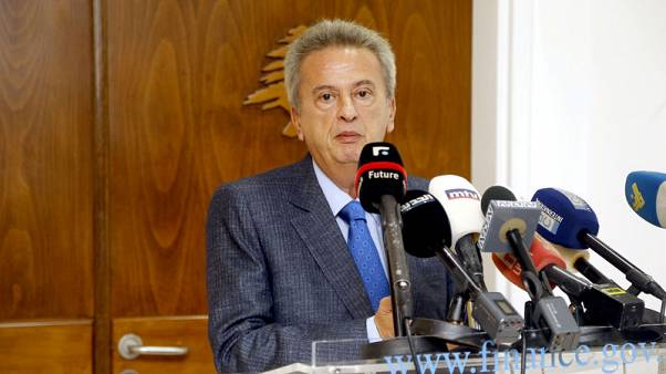 مصرف لبنان المركزي يستهدف استقرار الليرة ويقول ودائع البنوك زادت في 2018