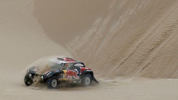Peterhansel out of Dakar Rally after accident