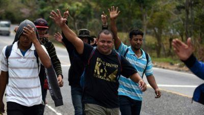 La caravane de migrants du Honduras reprend sa marche au Guatemala