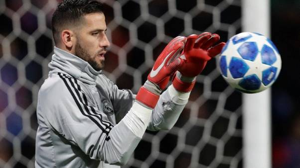 Leeds sign Spanish goalkeeper Casilla from Real Madrid
