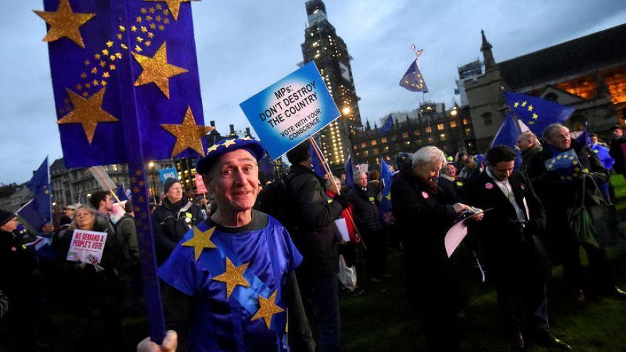 استطلاع: بريطانيا قد تصوت لصالح البقاء ضمن الاتحاد الأوروبي