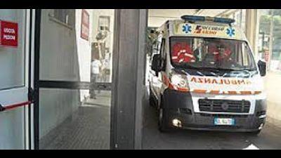 Cagliari, cade dal balcone e muore