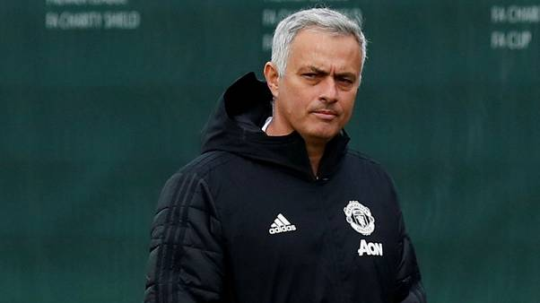 Mourinho says he lacked help in United job
