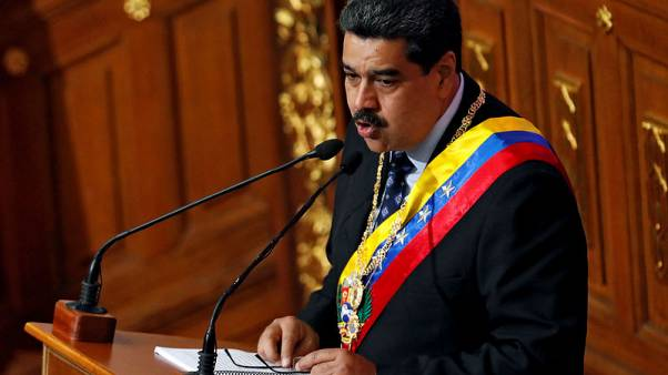 Venezuela to receive 2,000 Cuban doctors pulled from Brazil - Maduro