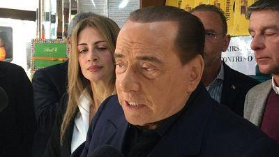 Berlusconi, governo nel caos totale
