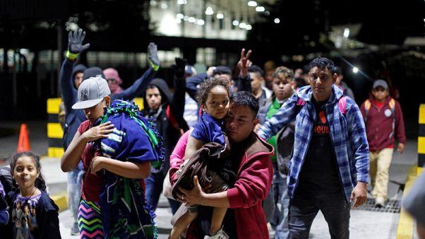 New caravan of Honduran migrants crosses into Mexico