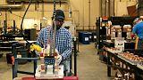 انتاج المصانع في أمريكا يسجل أكبر زيادة في 10 أشهر
