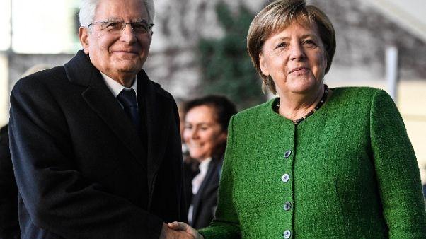 Libia: Merkel, bene linea italiana