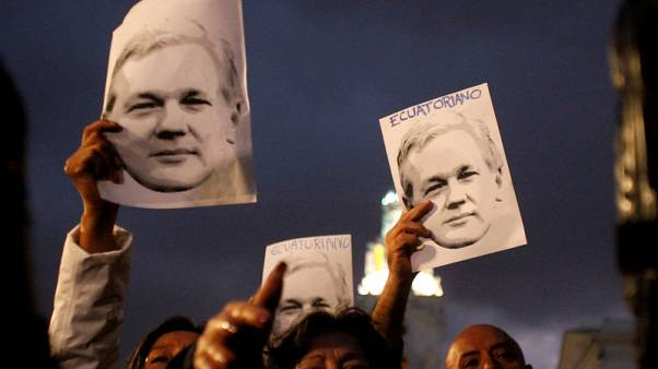 U.S. asked Ecuadorean officials about alleged Assange-Manafort meeting - source