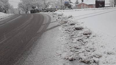 Nevicate entroterra Marche,strade libere