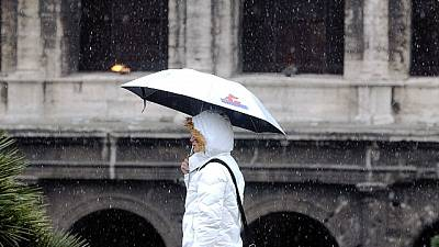 Rischio neve a Roma, distribuito sale