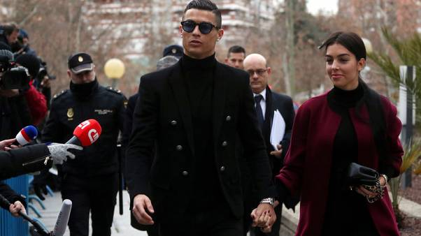 Soccer star Ronaldo, facing tax fraud accusations, arrives in Spanish court