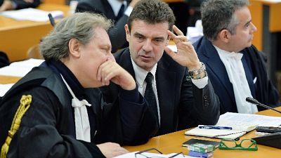 Fondi Piemonte,incontri bar non politica