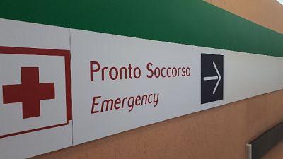 Suicidio in ospedale, sanitari aggrediti