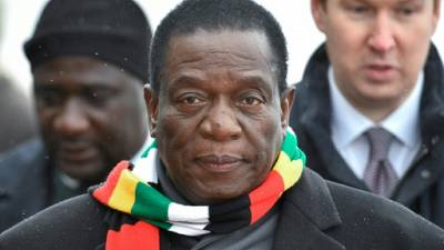 De retour au Zimbabwe, Mnangagwa s'efforce de tirer un trait sur la fronde